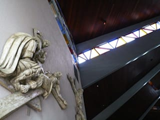 Paróquia Nossa Senhora Auxiliadora - D.Bosco (acústico e interiores): Locais de eventos  por BRAVIM ◘ RICCI ARQUITETURA