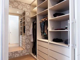 Modern Dressing Room by Luciana Ribeiro Arquitetura Modern
