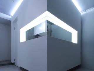 Pasillos, vestíbulos y escaleras minimalistas de Jun Murata | JAM Minimalista