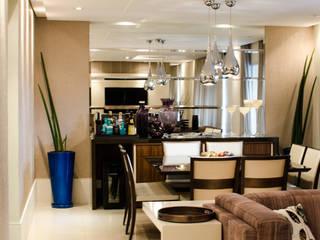 Apartamento Familiar: Salas de jantar  por Inspirate Arquitetura e Interiores,