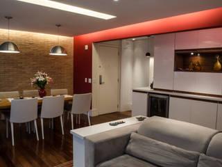 Salon moderne par Inspirate Arquitetura e Interiores Moderne