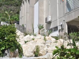 艸木/SOUMOKU Jardines de estilo ecléctico Piedra Blanco
