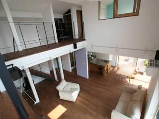 株式会社シオン Dinding & Lantai Modern Parket Brown