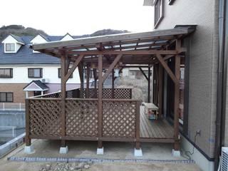 屋根付きのウッドデッキができました。: 阿部建設が手掛けたです。
