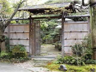 Jardines asiáticos de 杉田造園 株式会社 Asiático