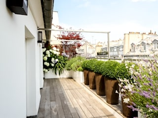 Rambuteau Terrasses des Oliviers - Paysagiste Paris Balcon, Veranda & Terrasse modernes Bois massif