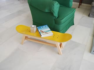 Skateboard stool, side table or bench, yellow color de skate-home Moderno