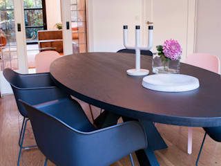 Modern dining room by IJzersterk interieurontwerp Modern