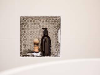 nisje badkamer:  Badkamer door IJzersterk interieurontwerp, Modern