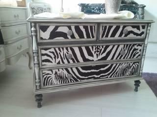 Ultimos muebles para el showroom de Deco Lis Vintage Ecléctico