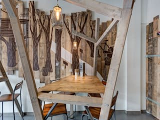 Grizzl store bomen tafel:  Eetkamer door Studio Made By