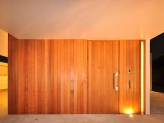 Modern garage/shed by 門一級建築士事務所 Modern Wood Wood effect