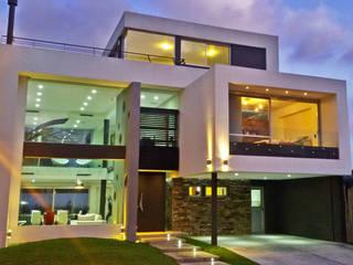 CASA H2 - Estudio Fernandez+Mego: Casas de estilo  por Estudio Fernández+Mego