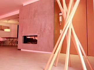 Reforma integral de vivienda en Alicante Novodeco Pasillos, vestíbulos y escaleras de estilo minimalista