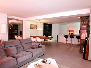 Reforma integral de vivienda en Alicante Novodeco Salones de estilo minimalista