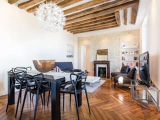Appartement refait à neuf à St Germain en Laye (78100): Salle à manger de style  par Apartbyjo