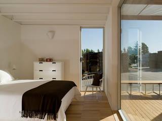 Jular Madeiras Dormitorios de estilo minimalista Madera Acabado en madera