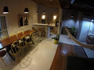 Ampliação Vale dos Reis Varandas, alpendres e terraços rústicos por Gabriela Marini Arquitetura e Design Rústico