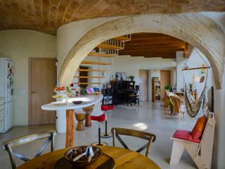 Bio-Residencia Josep Lluis Lai Cocinas de estilo mediterráneo