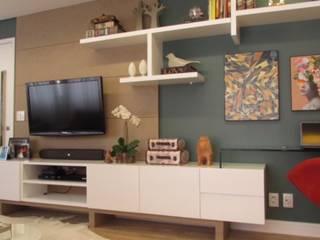 Living room by DIÂMETRO INTERIOR DESIGN,