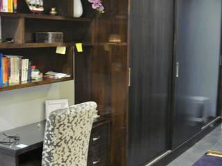 Bedroom: eclectic  by renu soni interior design,Eclectic