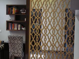 Bedroom: mediterranean  by renu soni interior design,Mediterranean