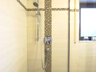 浴室 by Immobilienphoto.com, 現代風