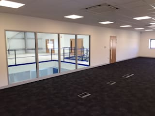 Trent Instruments Fit Out Modern commercial spaces by Office Design Company Modern