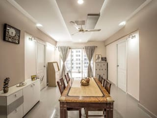Ezhilagam:  Dining room by Spacestudiochennai