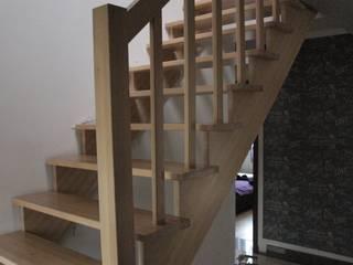 Schody z drewna: styl , w kategorii  zaprojektowany przez Wood Art Stolarstwo