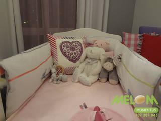 Quarto de bébé:   por MELOM Momentos,Clássico