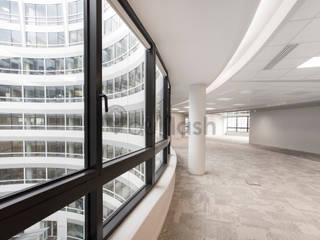 Photographie Espaces de bureaux modernes par OuiFlash Moderne