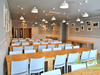 Refeitório Centro Social: Salas de jantar  por MELOM Momentos,Clássico