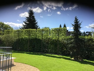 Wentworth Estate Cool Gardens Landscaping Classic style garden