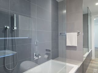 Downtown White on White Apartment:  Bathroom by Andrew Mikhael Architect,
