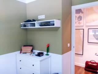 Vista del Dormitorio Principal : Dormitorios de estilo  de Arquigestiona Reformas S.L.