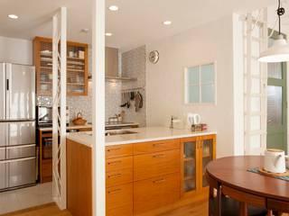 楽しくコンパクトに2世帯で暮らすための家: 株式会社スタイル工房が手掛けたです。