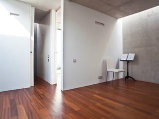 Vivienda en Villafranqueza Dormitorios de estilo moderno de ALONSO SEMPERE ARQUITECTOS SL Moderno