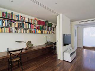 casa PEY Estudios y despachos de estilo moderno de Ignacio Carbó -myarchitect- Moderno