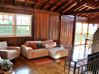 Salas de estilo rústico de Zani.arquitetura Rústico