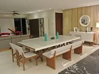 Minimalist dining room by ArtiA desarrollo, arquitectura y mobiliario. Minimalist