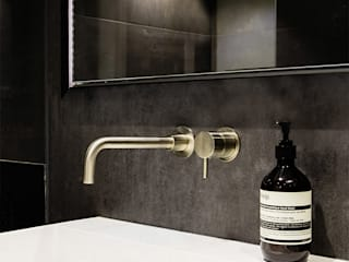 Old Street Duplex 11 Industrial style bathroom by YAM Studios Industrial