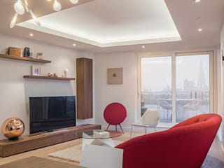 Flat in the City YAM Studios Modern living room White