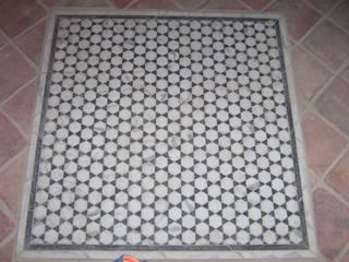 Classic walls & floors by Grabados en Mármol S.L Classic