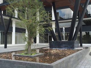 Detalle estructura-fuente AParquitectos Centros comerciales Hierro/Acero Negro
