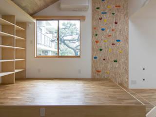 三層回遊の家 北欧デザインの リビング の 株式会社エキップ 北欧