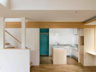 三層回遊の家 北欧デザインの ダイニング の 株式会社エキップ 北欧