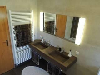 Badsanierung /Badrenovierung: moderne Badezimmer von Bad Campioni