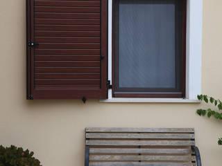 CASA CAMPIDANESE Modern home by SERRAMENTI PIRAS Modern