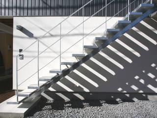 設計事務所アーキプレイス Casas de estilo escandinavo Hierro/Acero